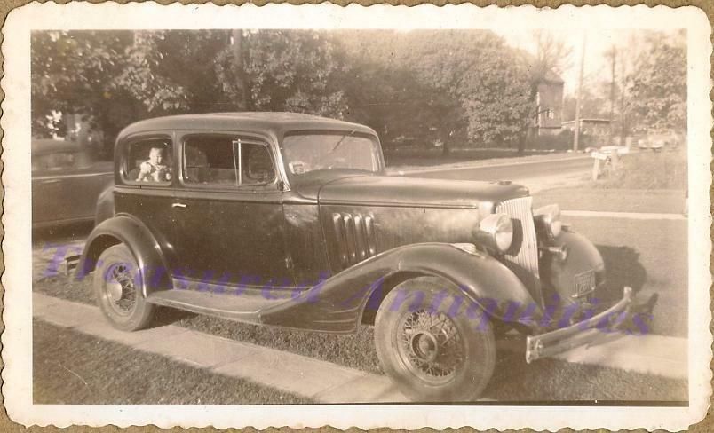 1933 pontiac two door sedan infant baby in back seat first for 1933 pontiac 4 door sedan