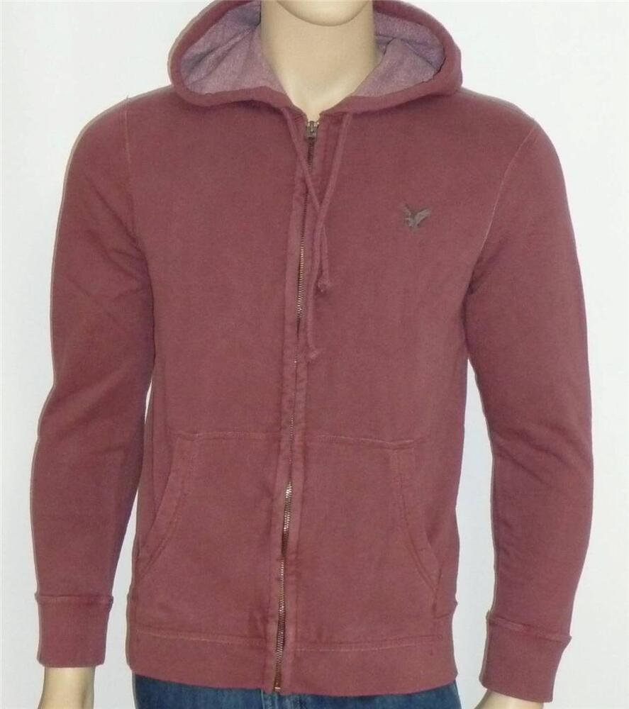 Find American Eagle Men's Hoodies in a variety of colors and styles from zippered hoodies and pullover hoodies to comfy fleece crewneck sweatshirts.