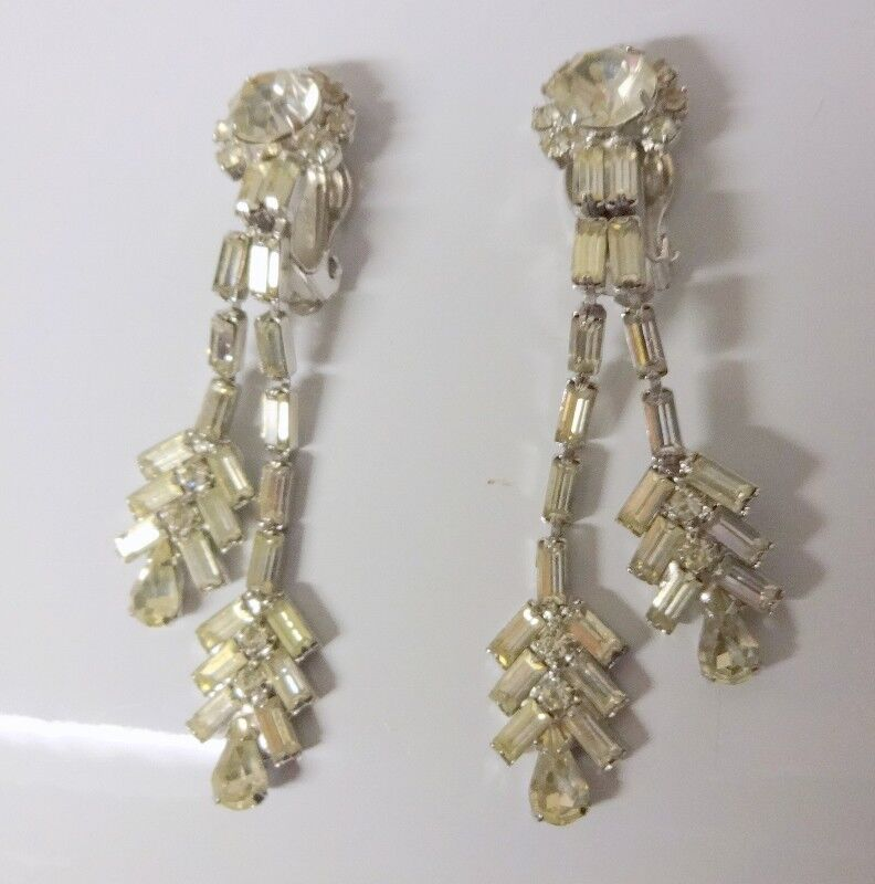 how to put on clip on earrings
