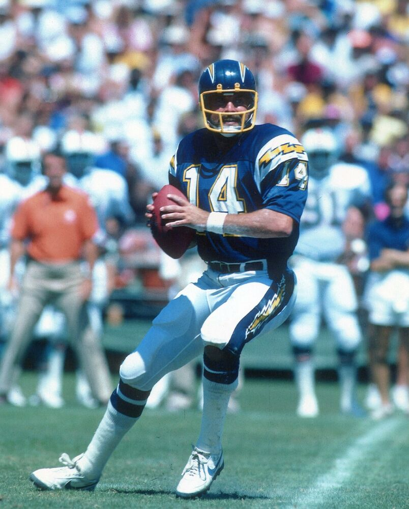 San Diego Chargers Facts: DAN FOUTS SAN DIEGO CHARGERS 8X10 SPORTS PHOTO (XX)
