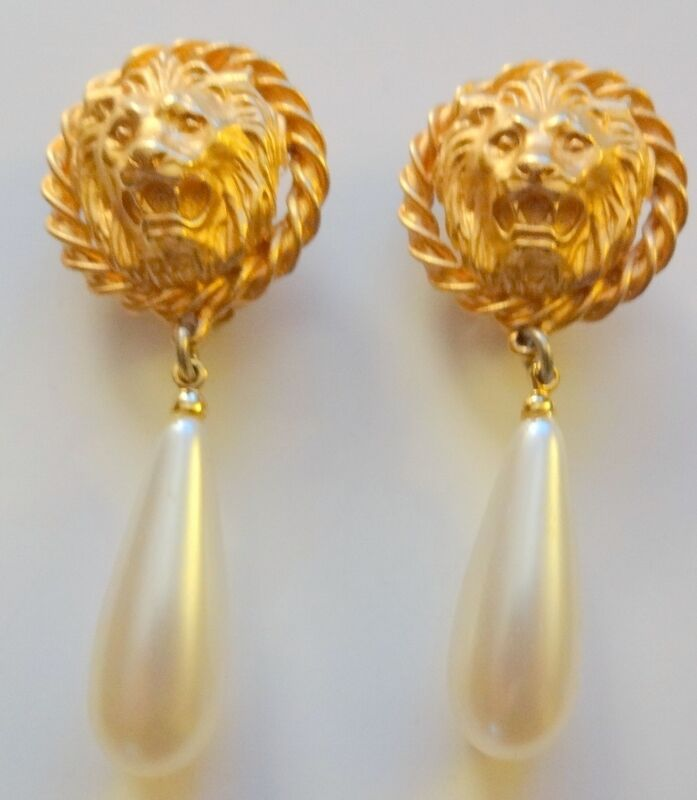 large clipon earrings vintage gold tone large teardrop dangle pearl 559