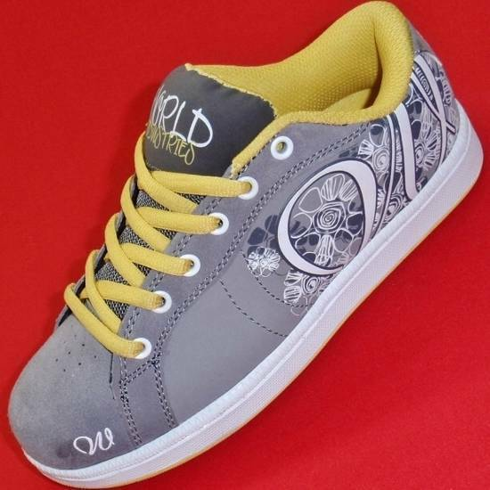 NEW Women's WORLD INDUSTRIES MONROE Gray/Yellow Athletic ...