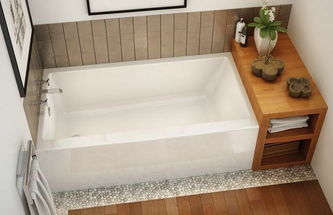 Maax rubix 60 x 32 x 22 afr acrylic alcove bathtub with for Deep alcove bathtubs