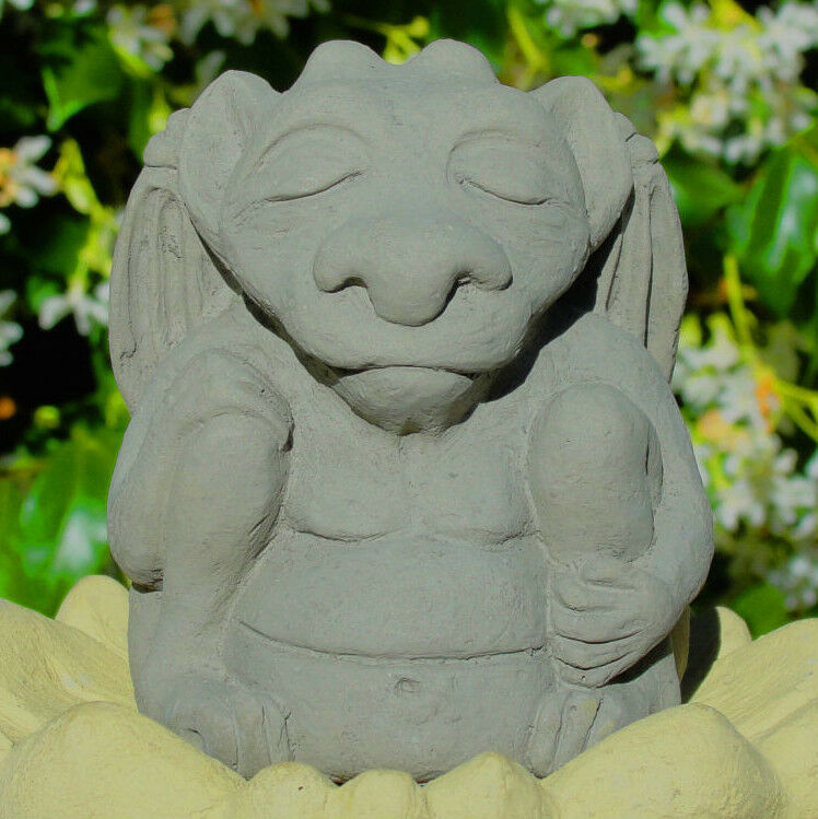 small meditating gargoyle stone zen garden buddha guardian statue figurine a ebay. Black Bedroom Furniture Sets. Home Design Ideas