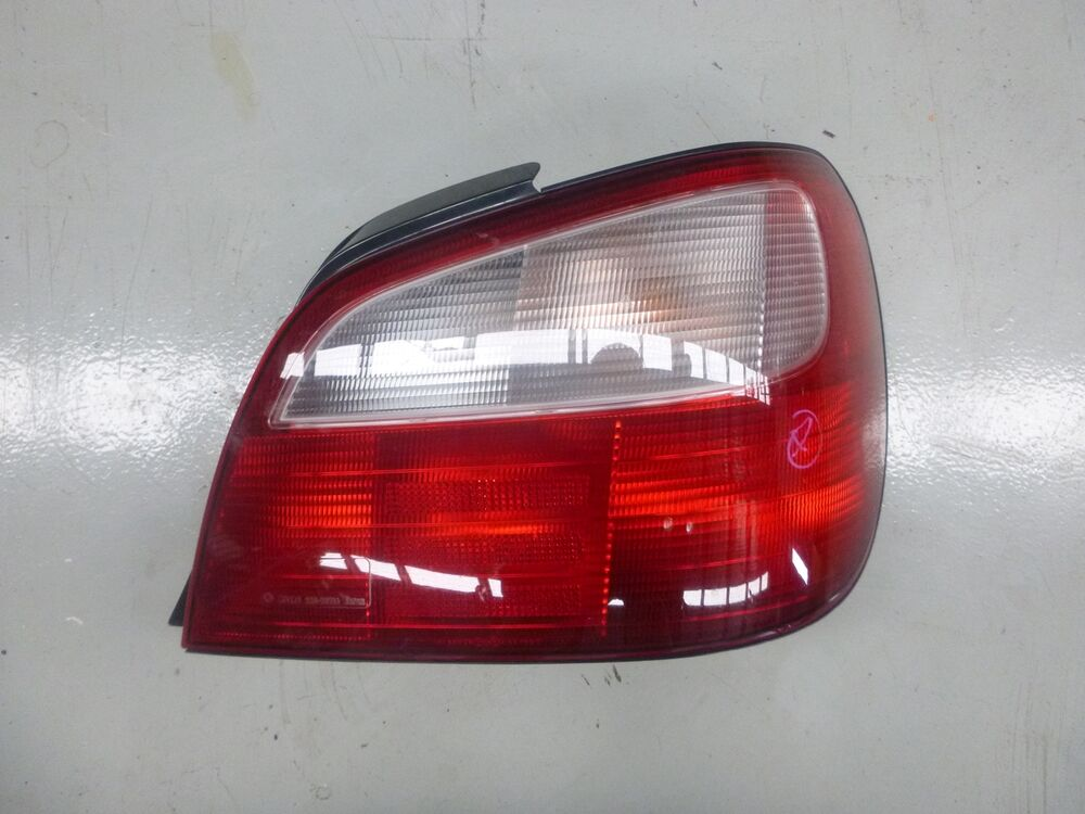 subaru impreza wrx gda gdb bug eye tail light rhs 00 02 ebay. Black Bedroom Furniture Sets. Home Design Ideas