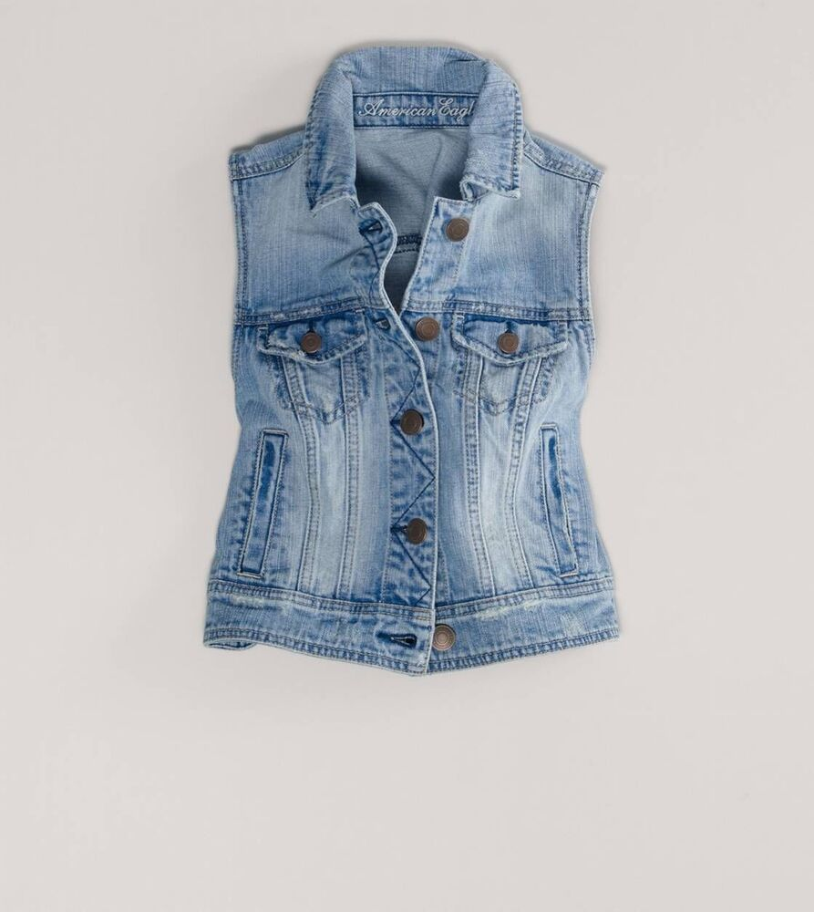 Women's Jean Jackets Look your best with Women's Denim Jackets from Kohl's. Kohl's offers many different styles and types of women's jean jackets, like plus size denim jackets, Women's Levi's denim jackets, and junior's denim jackets.