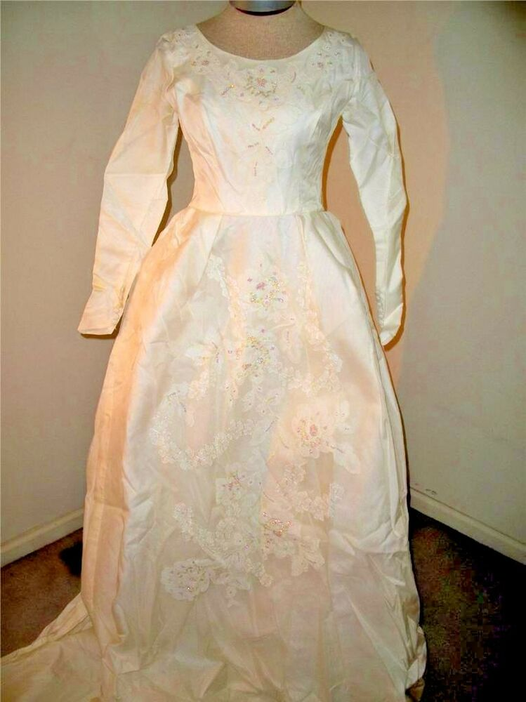 Vintage wedding dress 1940s long train size small or for Ebay vintage wedding dress