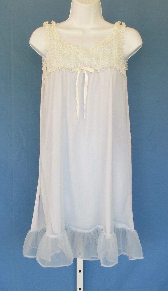 Vintage 1950s Baby Doll Nightie Negligee Light Blue Lace
