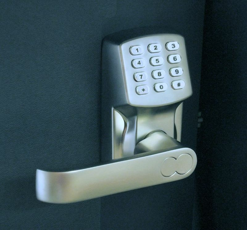 electronic keyless door lock set satin nickel for left hinged doors only. Black Bedroom Furniture Sets. Home Design Ideas