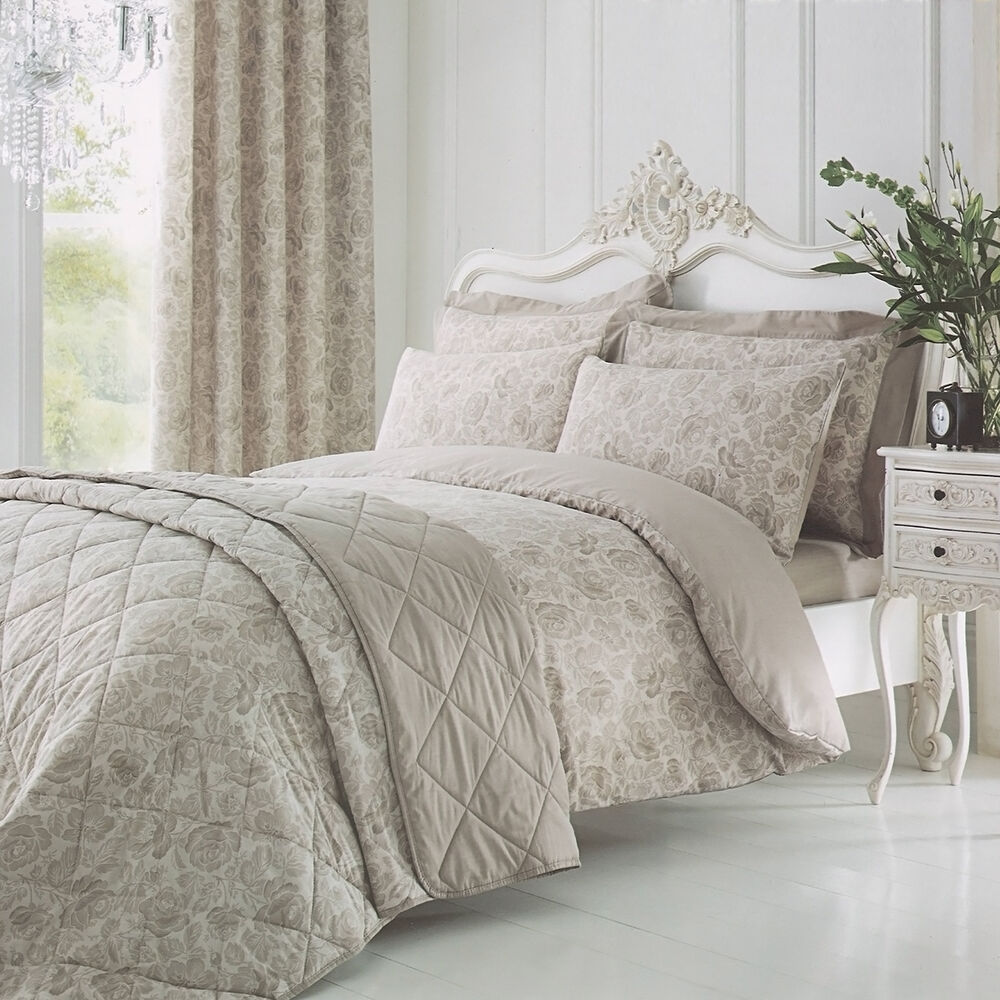 Catherine Lansfield Elmswell Natural Floral Taupe Duvet