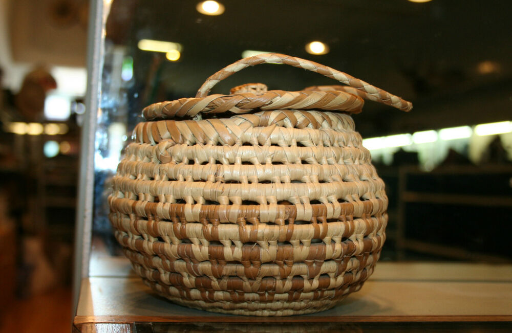 Handmade American Baskets : Hand made native american woven coil basket w lid