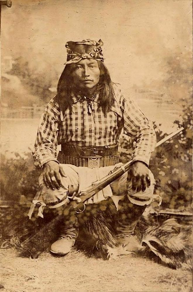THE NATIVE AMERICAN PHOTO AND MUSIC DVD VIDEO
