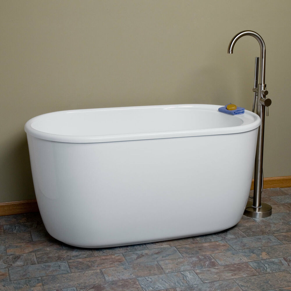 55 vada acrylic soaking tub with tap deck with no faucet for Best acrylic bathtub to buy