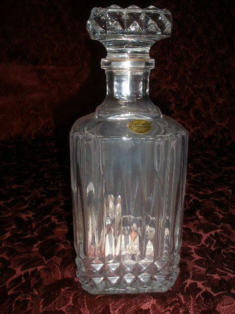 fabulous 24 lead crystal patterned decanter cristal d 39 arques france ebay. Black Bedroom Furniture Sets. Home Design Ideas
