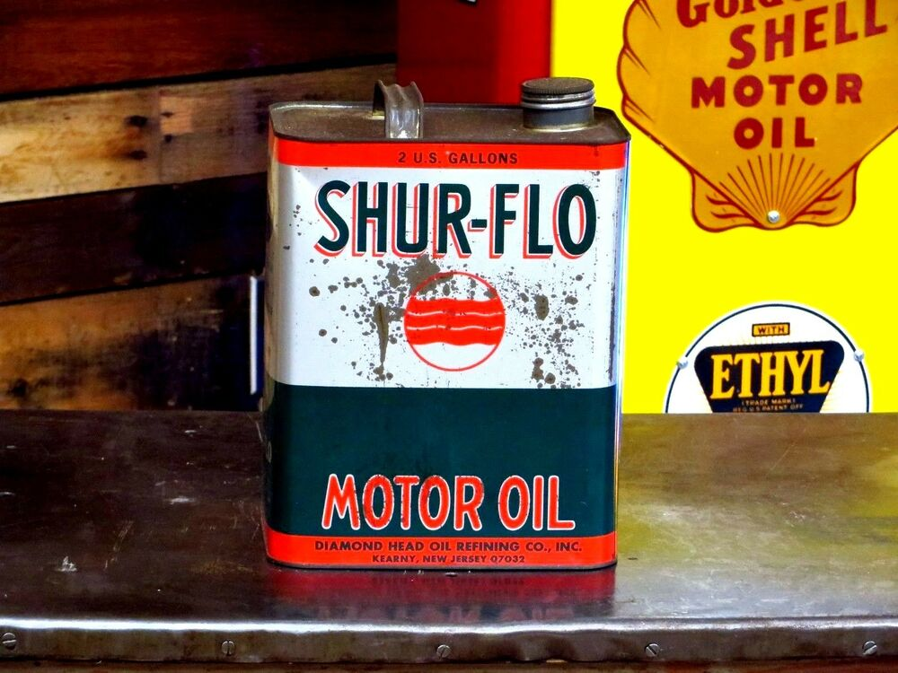 Vintage shur flo 2 gallon motor oil can ebay for Gallon of motor oil