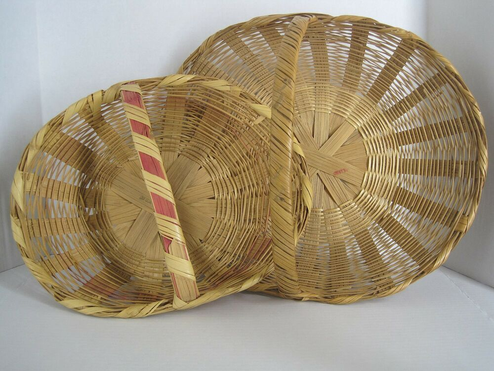 2 vintage gathering baskets woven wicker with handles easter ebay. Black Bedroom Furniture Sets. Home Design Ideas