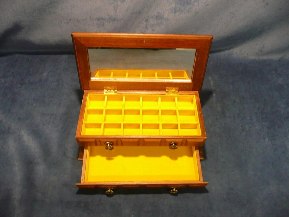 Vintage antique retro wooden yellow felt lined jewelry box for Mirror jewelry box