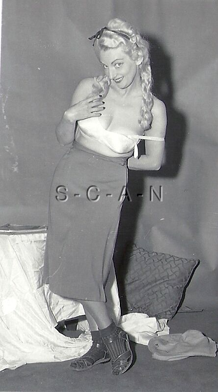 Org Vintage 1940s-60s Semi Nude RP- Mature Woman Slips Off