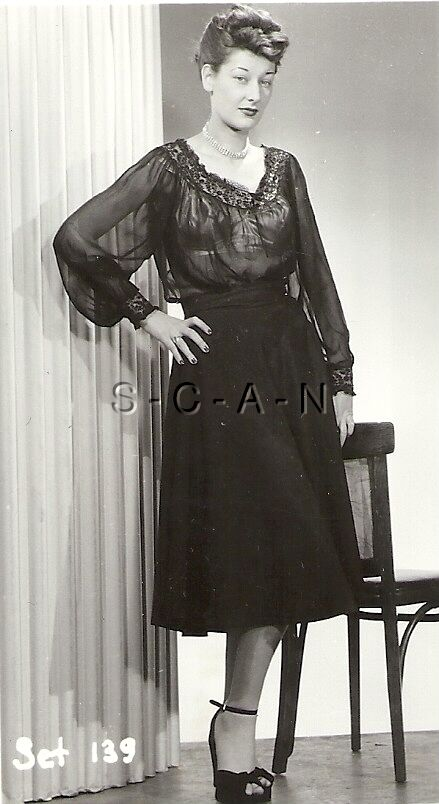 Original Vintage 1940S-50S Semi Nude Rp- Older Woman -8487
