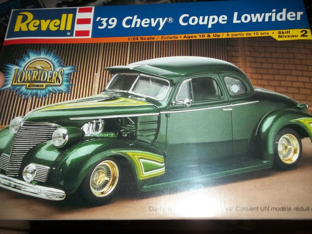 REVELL 1939 CHEVY COUPE STREET ROD LOWRIDER 1/24 Model Car