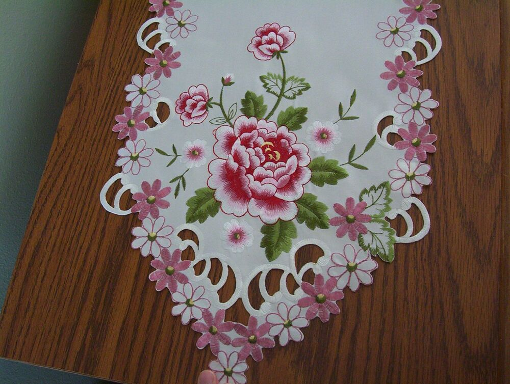 New Beautiful Pink Floral Rose Embroidered Table Runner Or