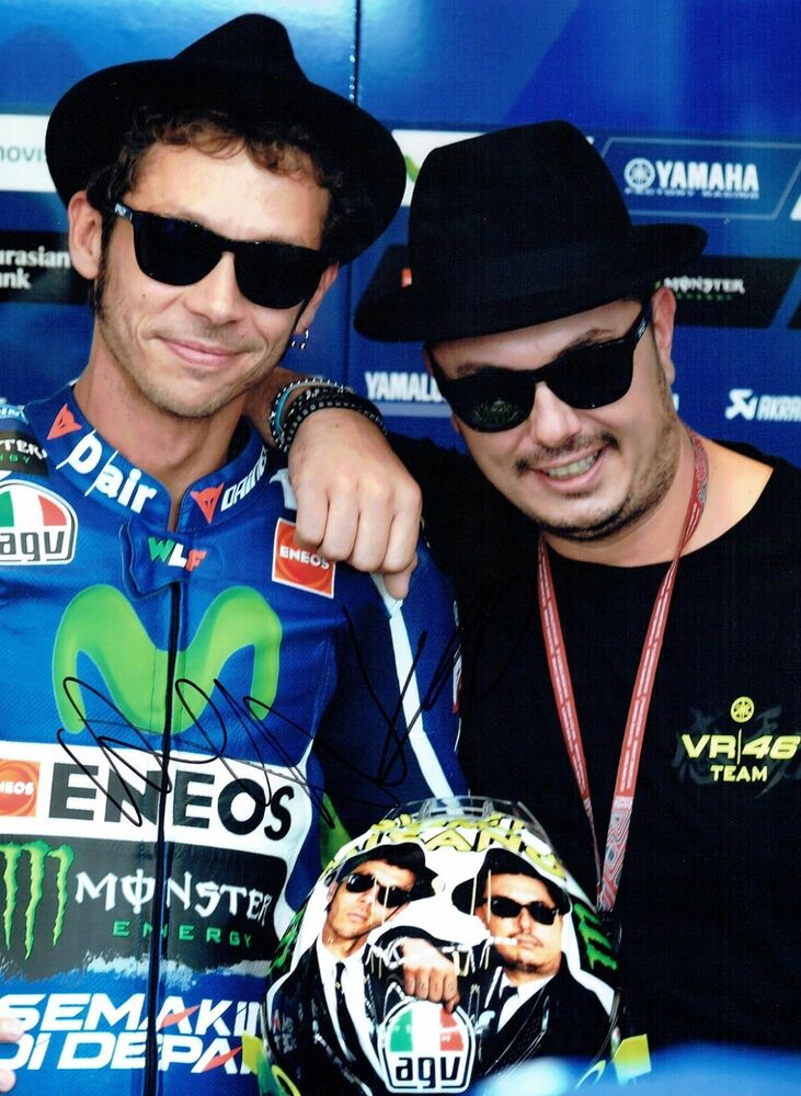 Details about VALENTINO ROSSI   UCCIO Autograph 2017 SIGNED 16x12 Yamaha  Photo AFTAL COA 4037f30ede47