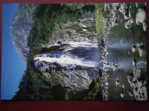 POSTCARD OCEANIA AUSTRALASIA NEW ZEALAND TWO TIER FALLS IN MILFORD SOUND
