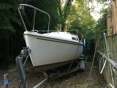 1984 Catalina 22' Sailboat & Trailer - Tennessee