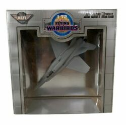 F/A-18 Hornet Yat Ming Air Signature Flying Warbirds 1:72 Scale Die Cast Jet NIB