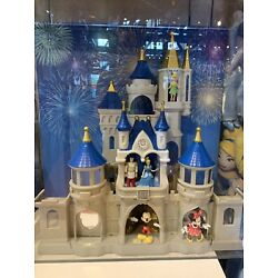 Kyпить Disney Parks Cinderella Castle Playset Lights, Fireworks Show, Sounds&Music NIB на еВаy.соm