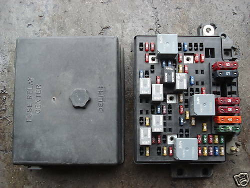 99 05 under hood fuse relay box chevy s10 truck blazer sonoma 99 05 under hood fuse relay box chevy s10 truck blazer sonoma jimmy y7 15328844