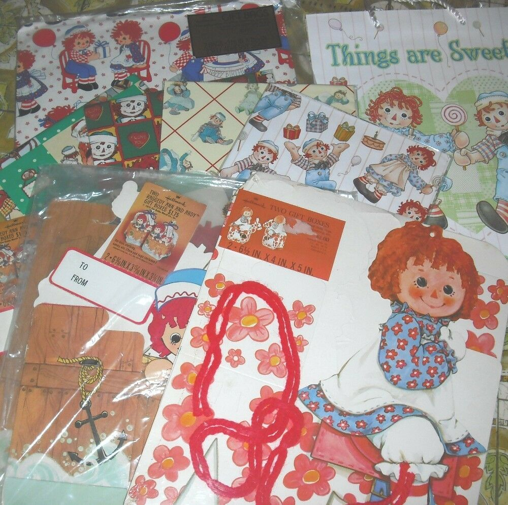 new raggedy ann gift wrapping paper boxes or paper gift bags ebay. Black Bedroom Furniture Sets. Home Design Ideas