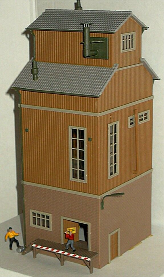 model power ho scale grading tower lighted building