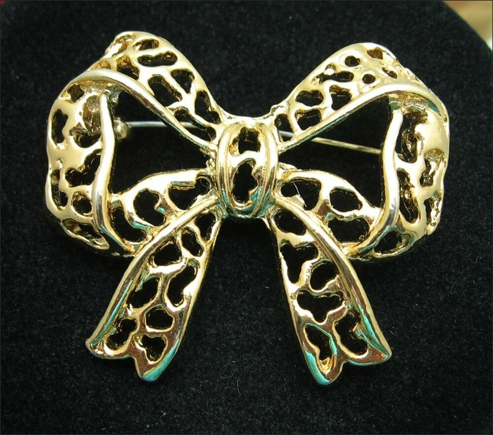 CHRISTMAS BOW Brooch Vintage PIN Goldtone Ribbon Costume