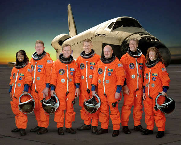 space shuttle discovery crew - photo #14
