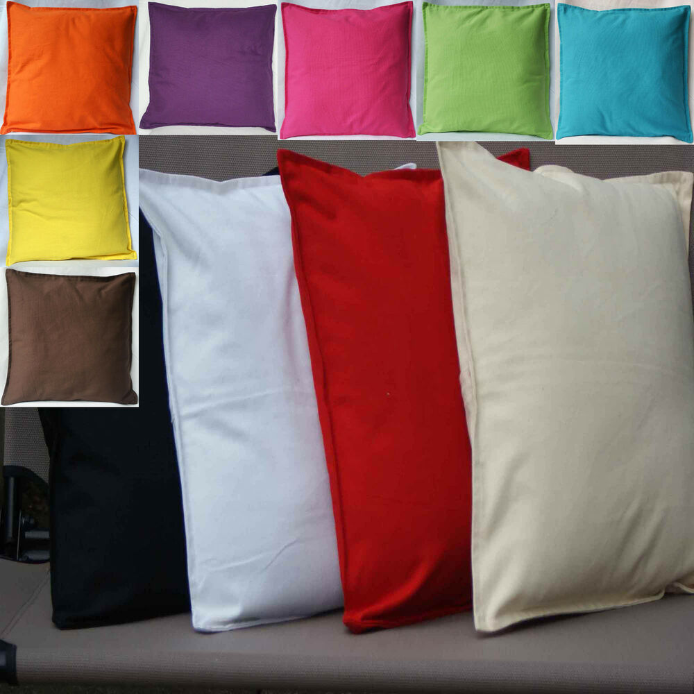 A popular cushion cover that's easy to mix and match with other solid-colored or patterned cushions. Available in many colors – choose your favorite. Made of cotton from more sustainable sources.