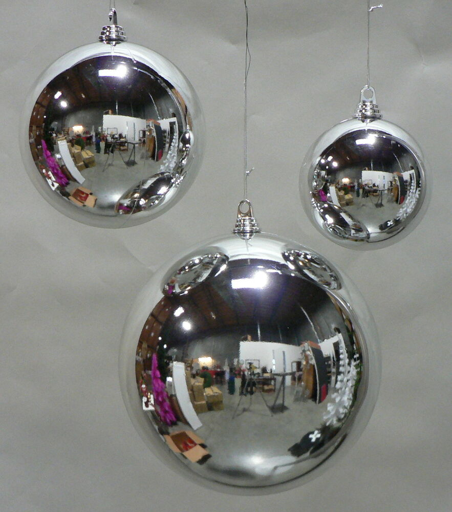 Large shiny silver 200mm plastic christmas ball 8 for Large christmas lawn ornaments