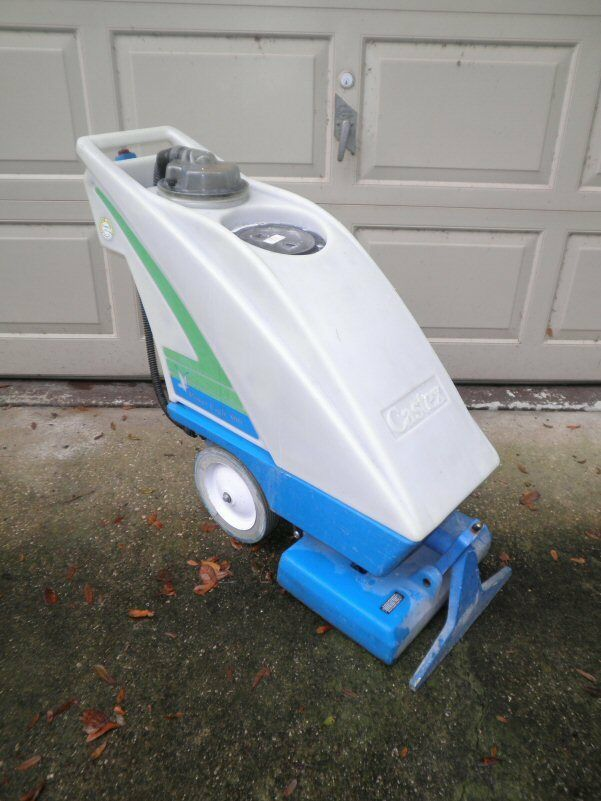 Castex Power Eagle 800 Self Contained 16 Carpet Extractor