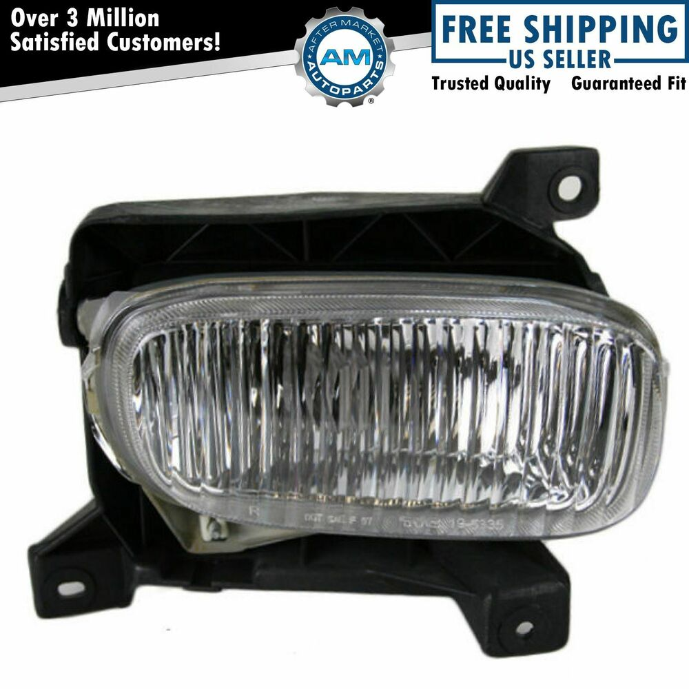 driving fog light lamp rh right passenger side for 00 05 tundra pickup. Black Bedroom Furniture Sets. Home Design Ideas