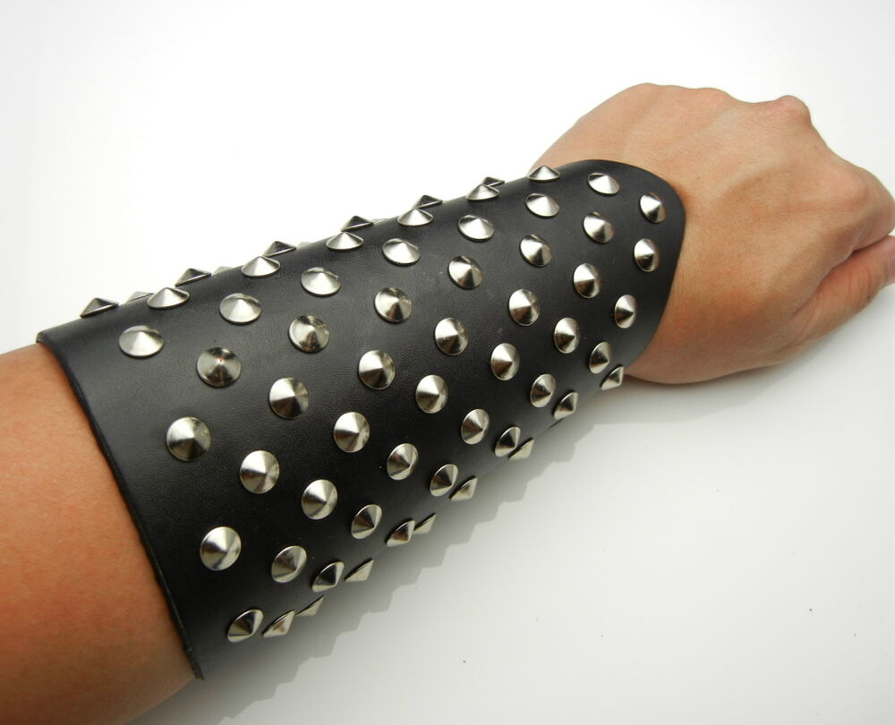 how to make arm cuffs cosplay