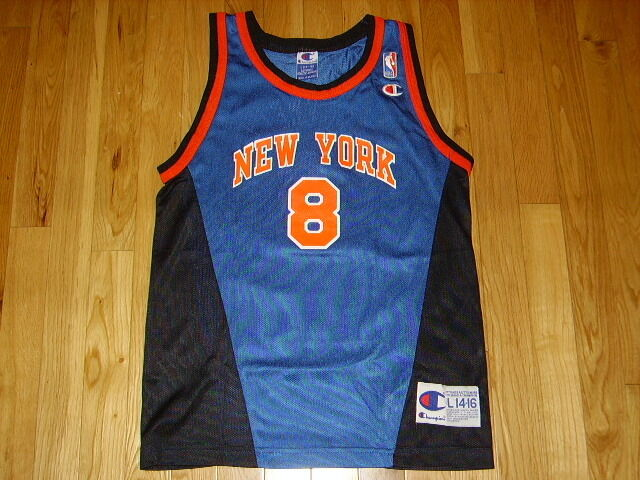 VINTAGE 90s CHAMPION LATRELL SPREWELL NEW YORK KNICKS YOUTH NBA REPLICA  JERSEY L  b7ae0cd4a