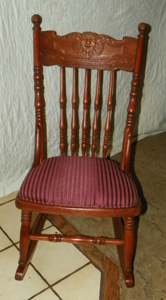 small cherry carved sewing rocker rocking chair child 39 s rocker r167 ebay. Black Bedroom Furniture Sets. Home Design Ideas
