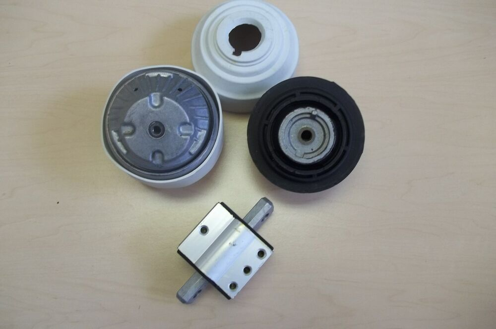 Mercedes benz engine transmission mount set hd 1 year for Mercedes benz motor mounts
