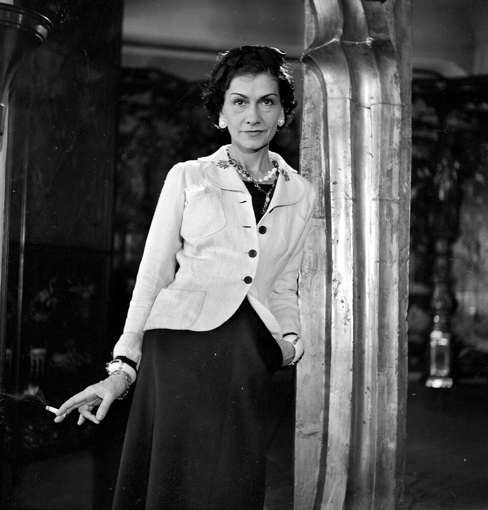 coco chanel famous french fashion design smoking photo 8x10 young picture ebay. Black Bedroom Furniture Sets. Home Design Ideas
