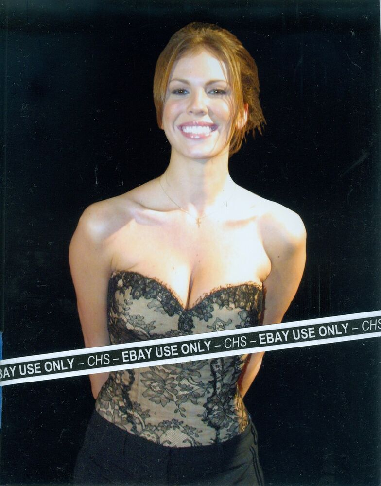 NIKKI COX VERY SEXY!! COLOR CANDID 8x10 PHOTO HUGE BOOBS
