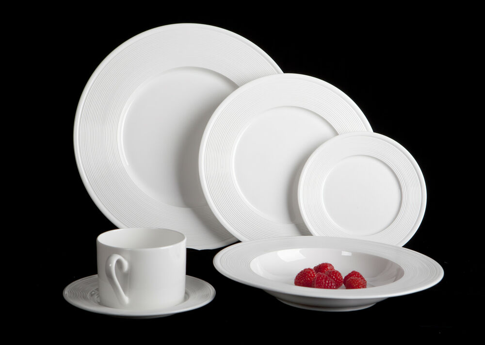 mikasa ridge 24 piece bone china dinnerware set service for 4 whites ebay. Black Bedroom Furniture Sets. Home Design Ideas