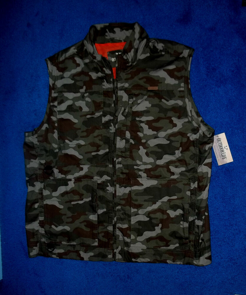 Mens outdoor life green camo fishing hunting vest pockets for Green top hunting and fishing