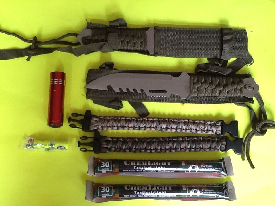 Emergency Survival Gear Kit Knives Paracord Light Doomsday
