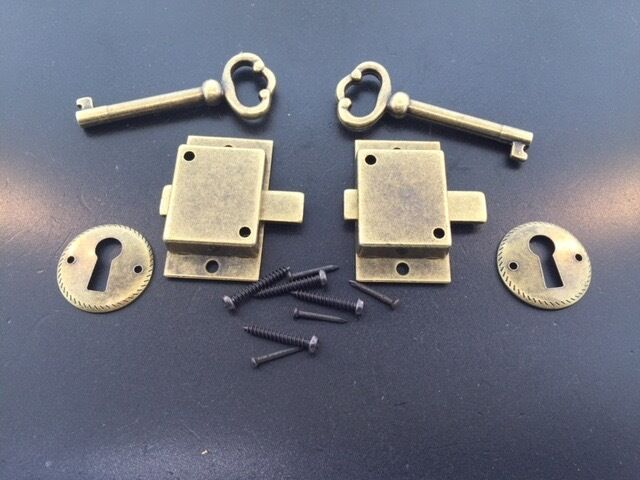 2 Curio Cabinet Front Door Key And Lock Set In Antique