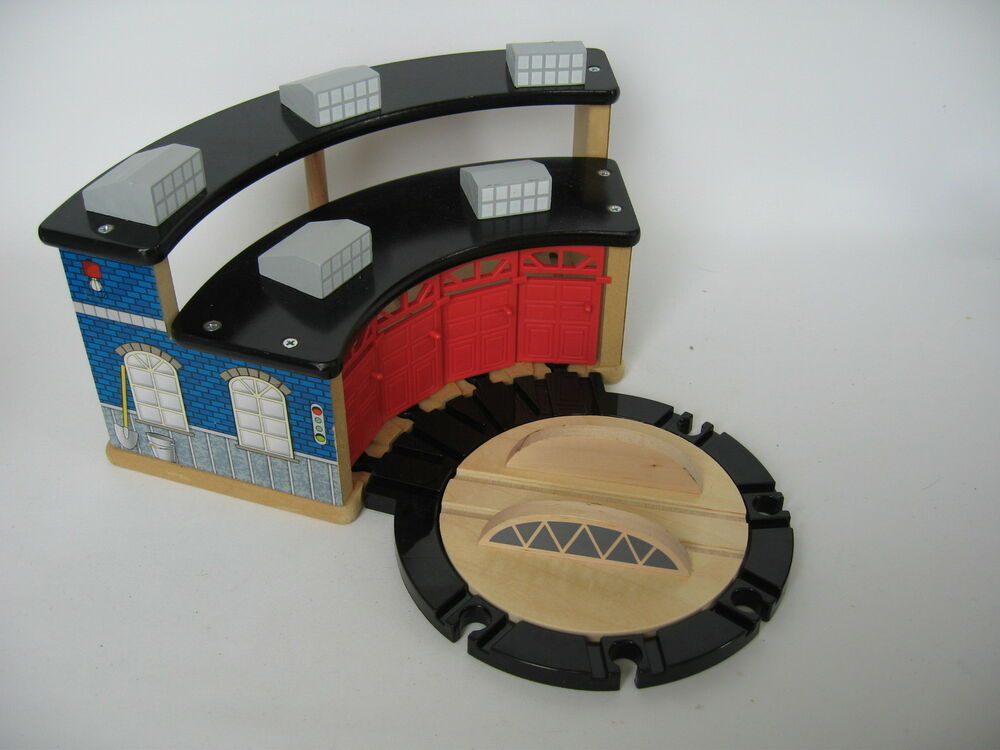 LARGE TIDMOUTH ENGINE SHED & TURNTABLE Wooden Train Track ...
